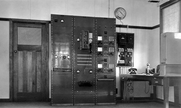 Nhill Aeradio building interior 1939