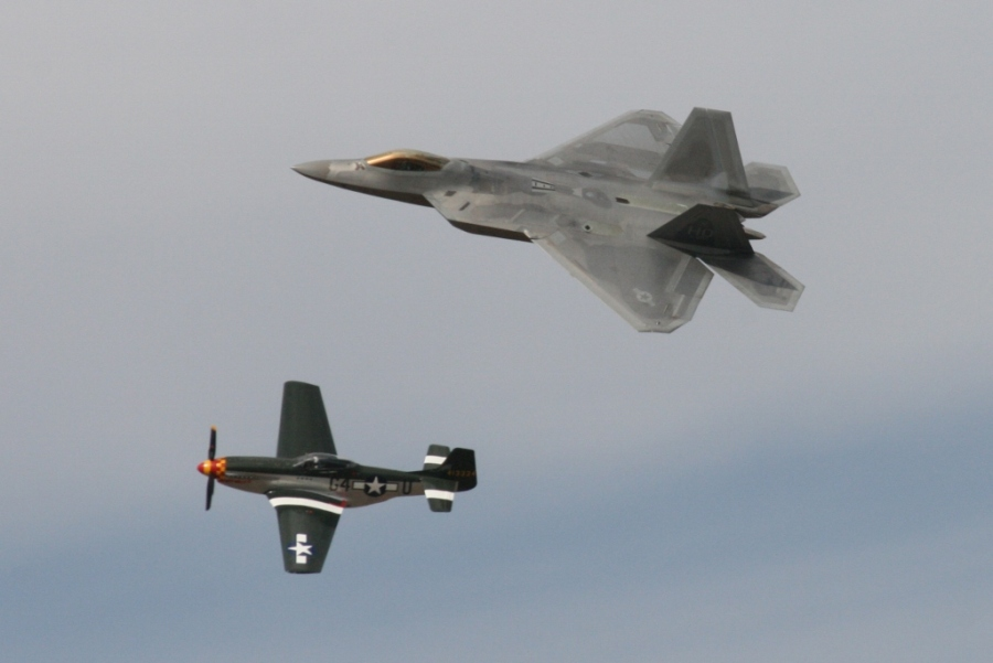 USAF Heritage Flight - P-51 Mustang & F-22 Raptor Reno Air Races 2012