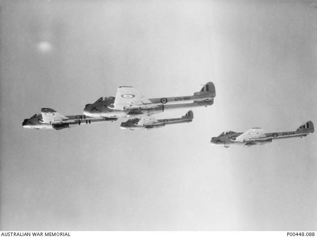 RAAF Vampire 2OCU Williamtown 1958 P00448_088