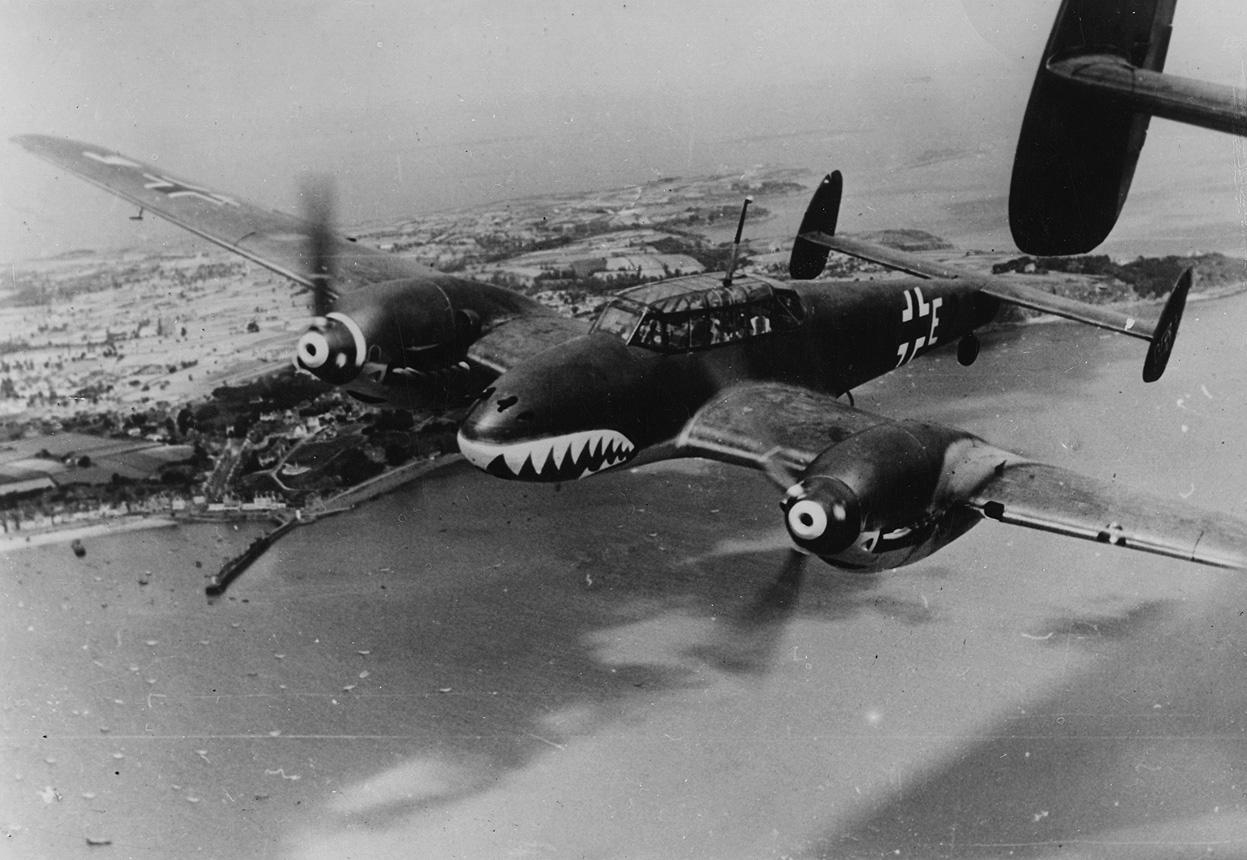 https://acesflyinghigh.files.wordpress.com/2016/10/messerschmitt-bf-110-english-channel-august-1940.jpg